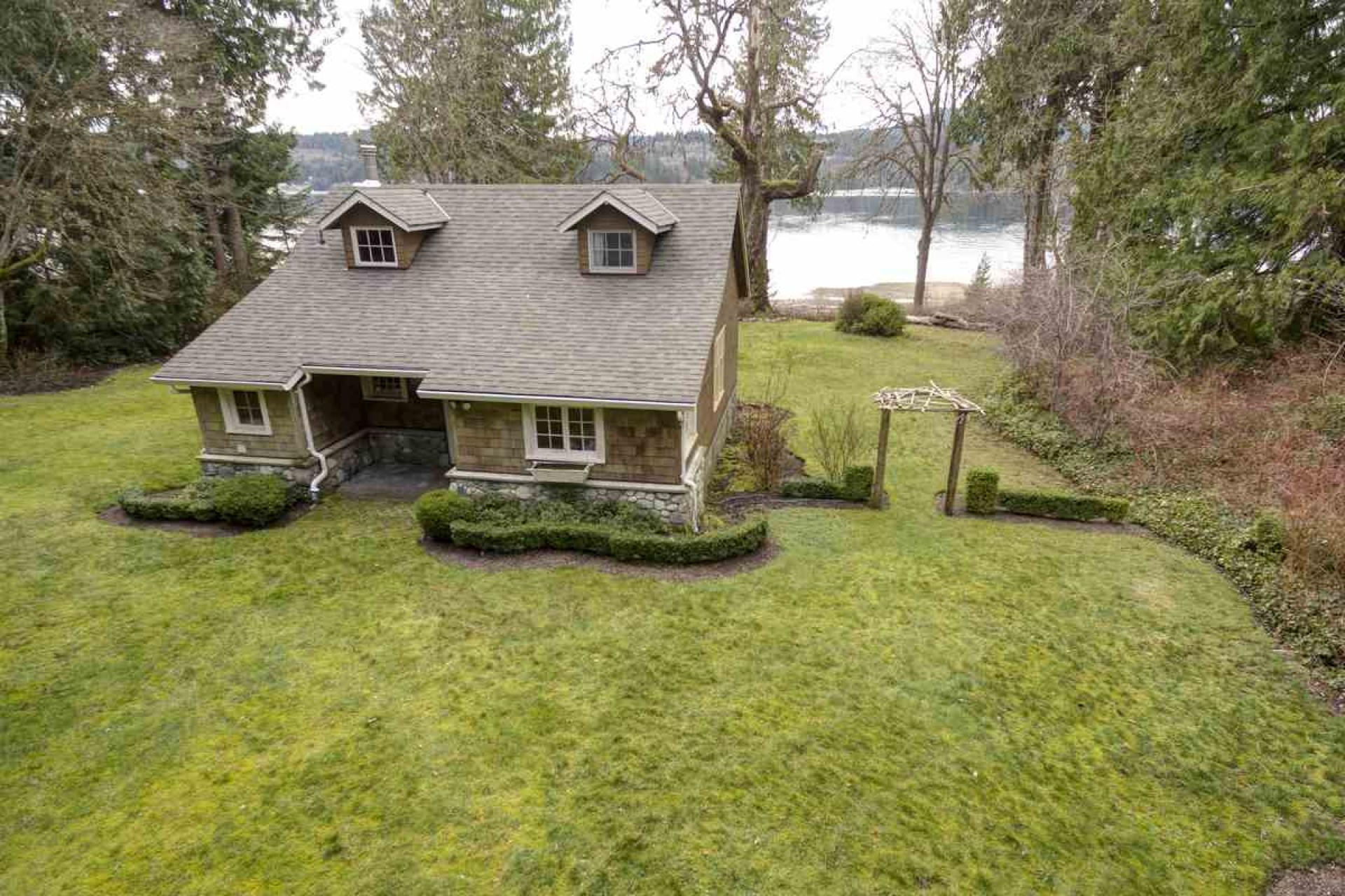 6129 Sechelt Inlet Road, Sechelt District, Sunshine Coast