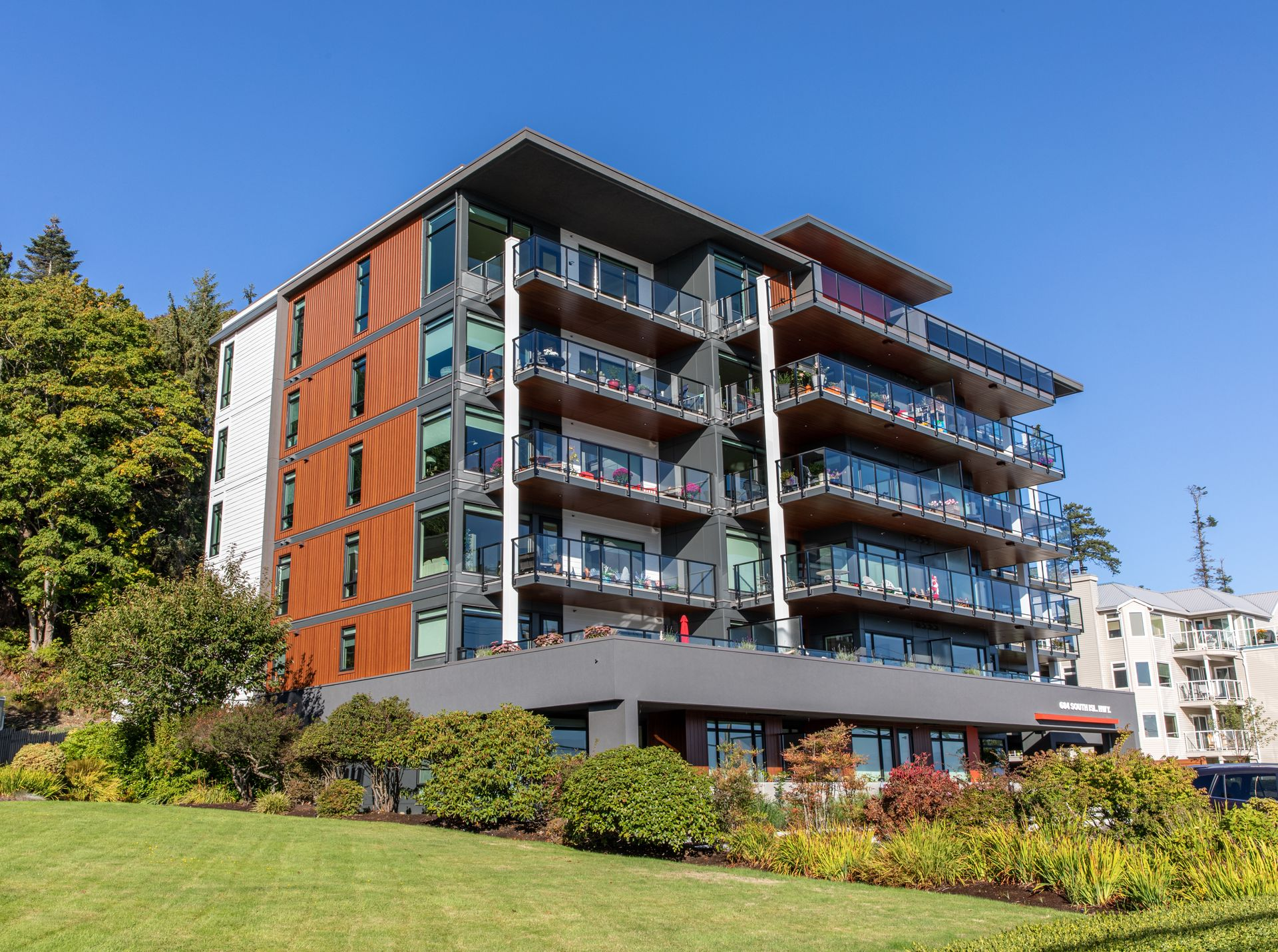 parq-shore-6 at 684 S Island Highway, Campbell River South, Campbell River
