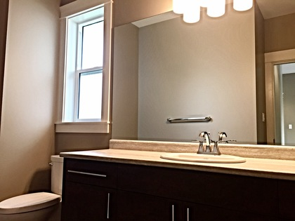 Main Bath Down at 125 Nikola, Campbell River West, Campbell River