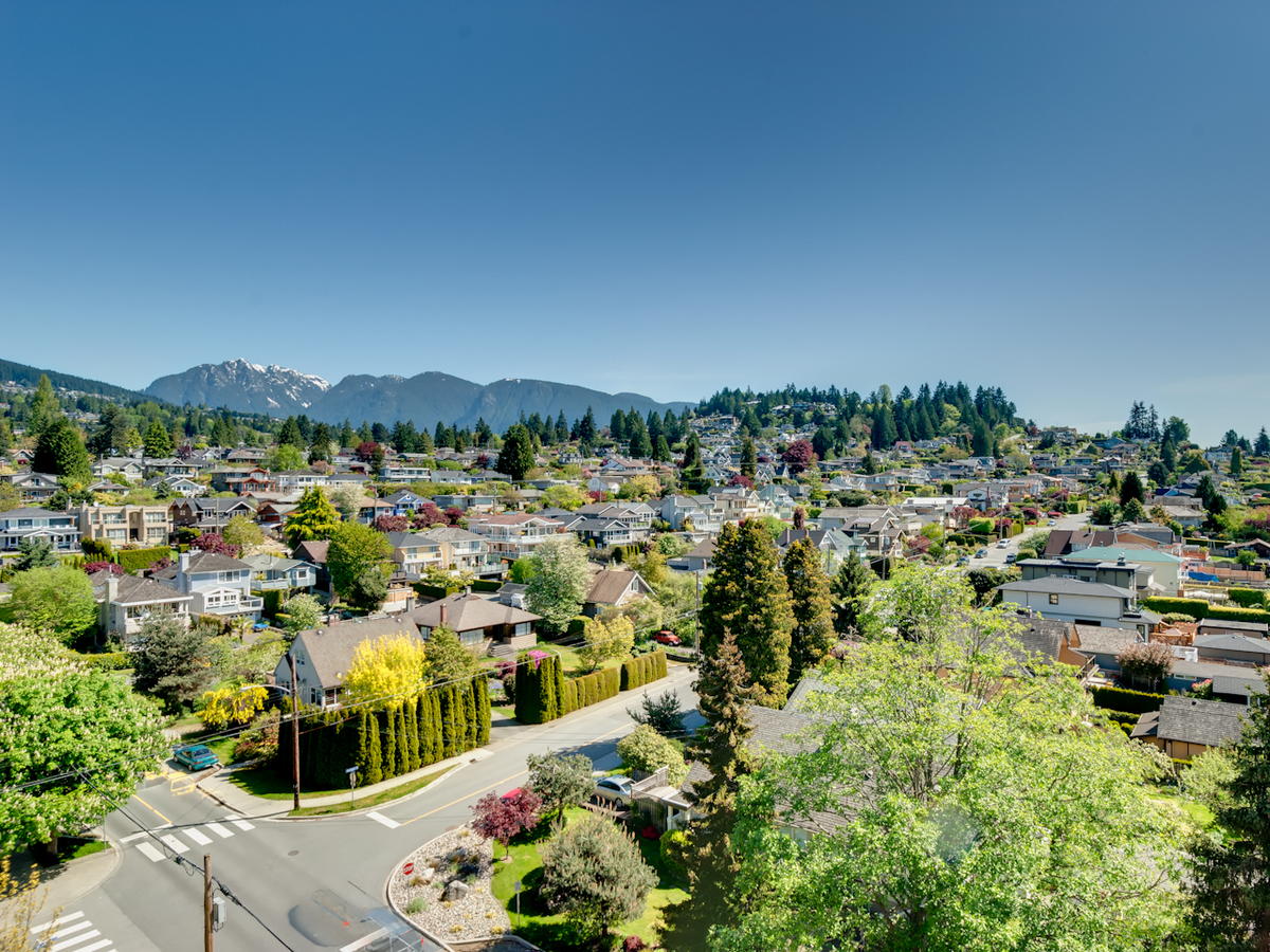 NortheastView2.jpg at #905 - 555 13th Street, Ambleside, West Vancouver