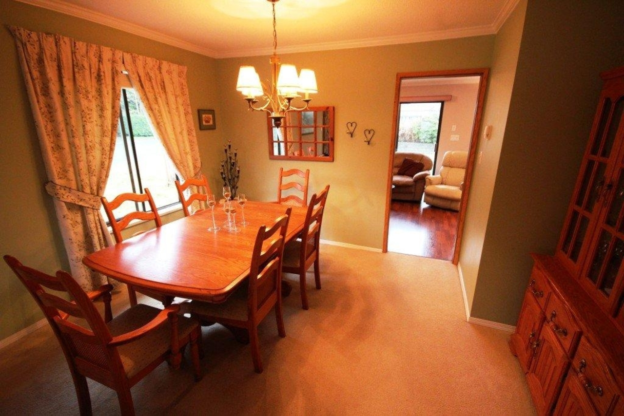 dining at 1194 Brockton Place, Indian River, North Vancouver