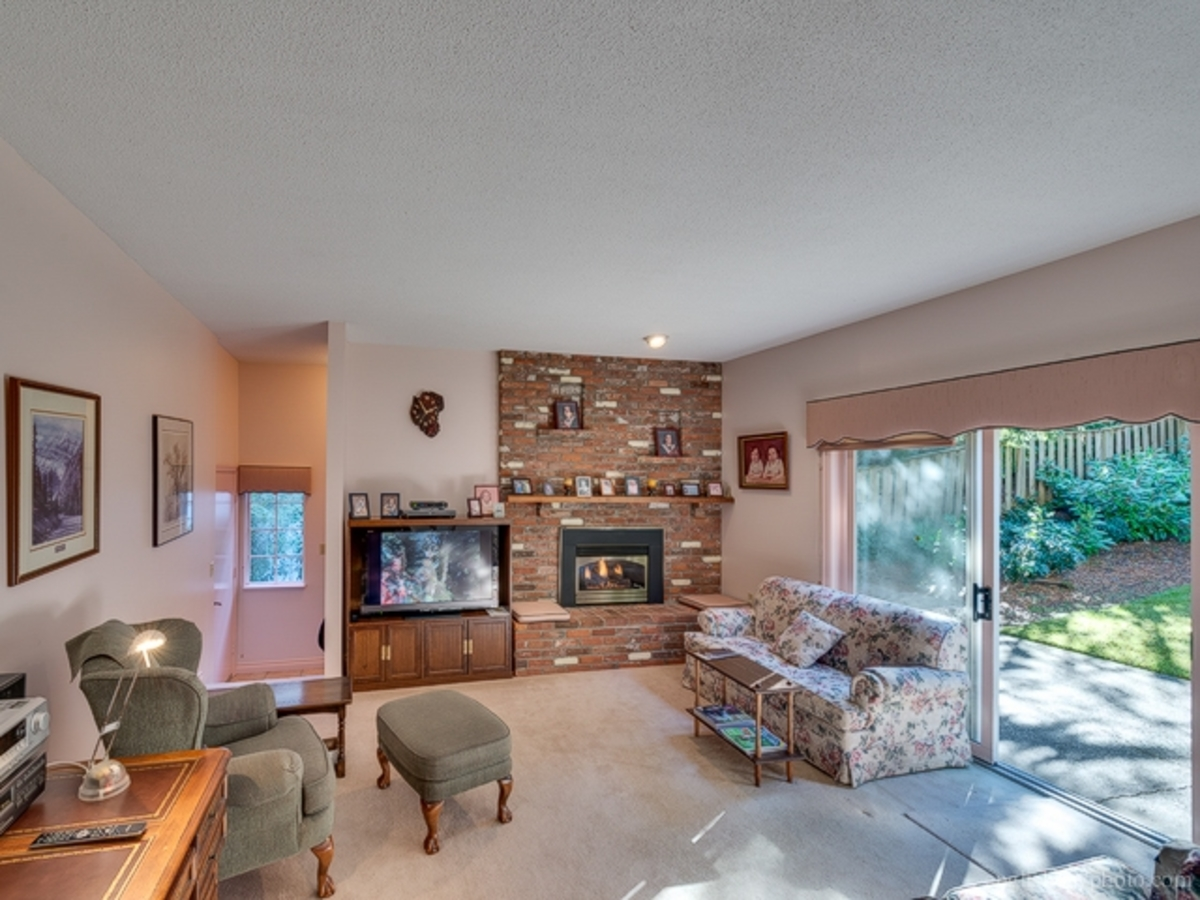 Living at 5179 Headland Drive, Upper Caulfeild, West Vancouver