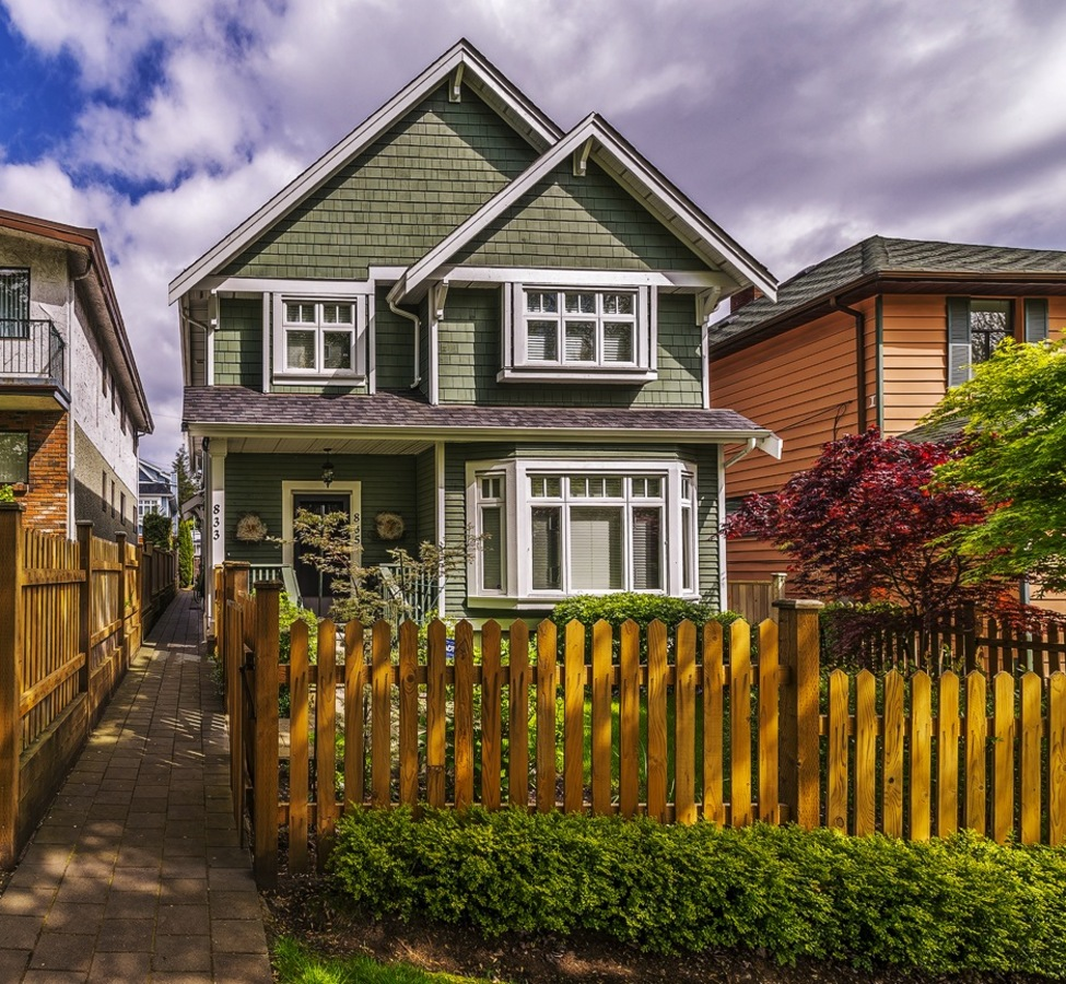 020 at 833 East 15th Ave, Mount Pleasant VE, Vancouver East