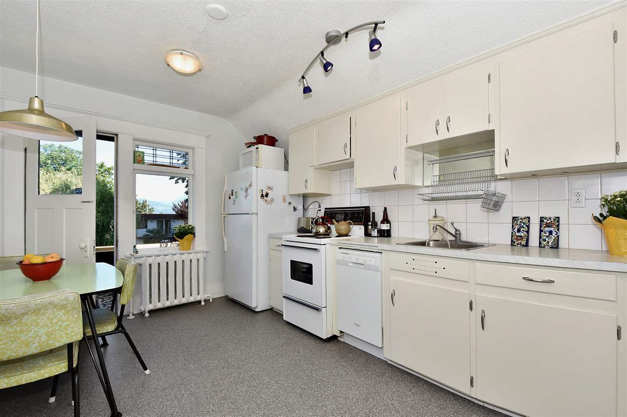 2982-w-3rd-avenue-kitsilano-vancouver-west-11 at 2982 W 3rd Avenue, Kitsilano, Vancouver West