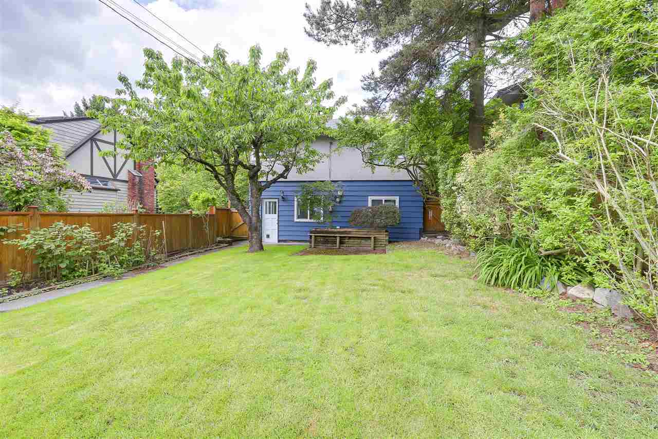 307-w-23rd-street-central-lonsdale-north-vancouver-02 at 307 W 23rd Street, Central Lonsdale, North Vancouver