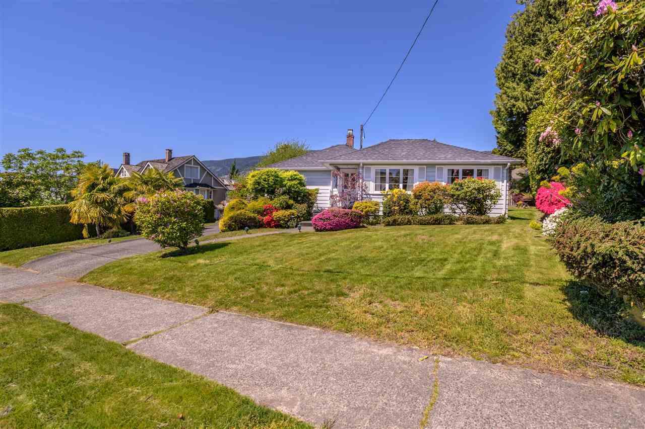 1143-fulton-avenue-ambleside-west-vancouver-19 at 1143 Fulton Avenue, Ambleside, West Vancouver