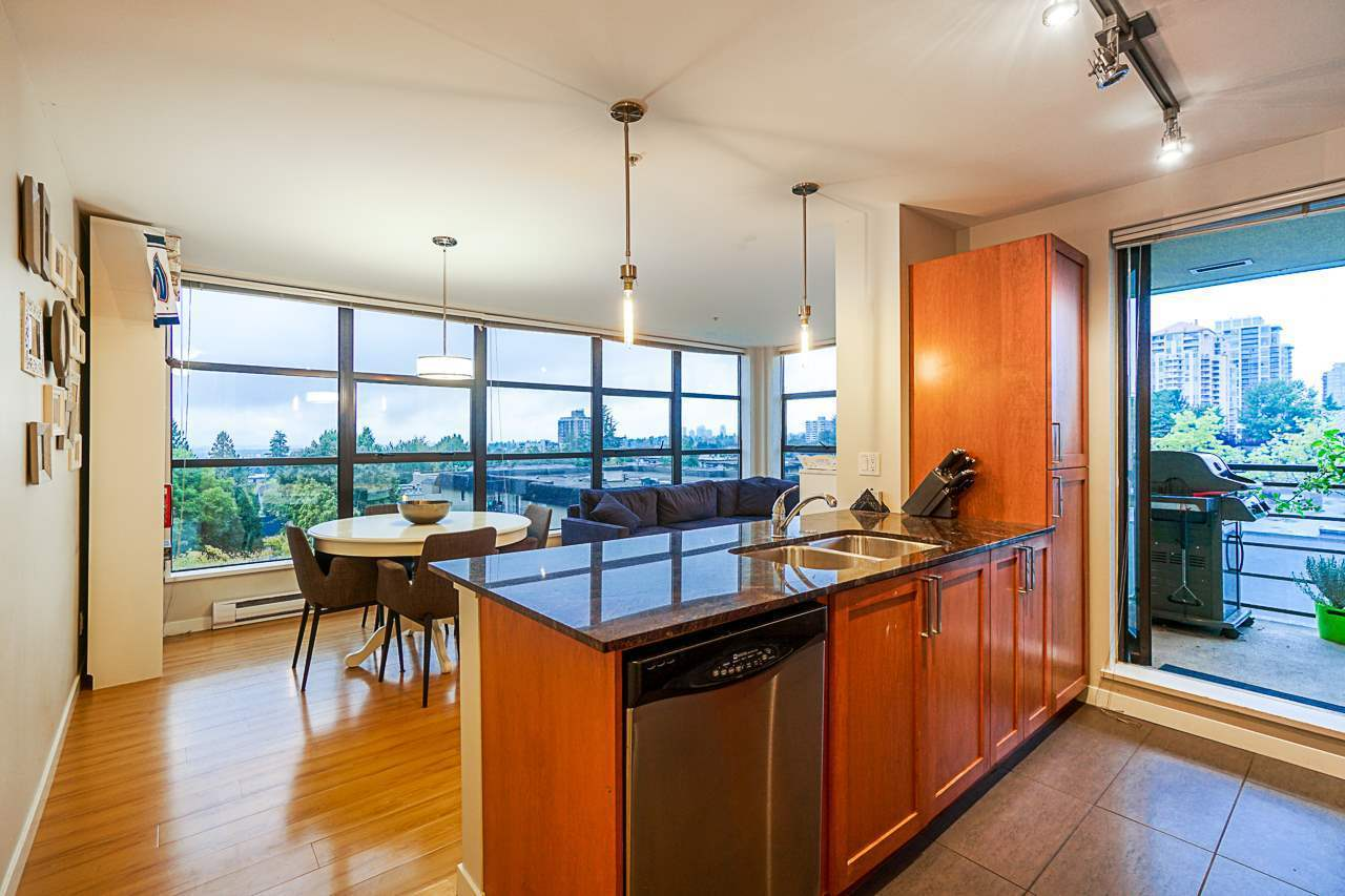 Open kitchen, Granite counters at 501 - 306 Sixth Street, Uptown NW, New Westminster