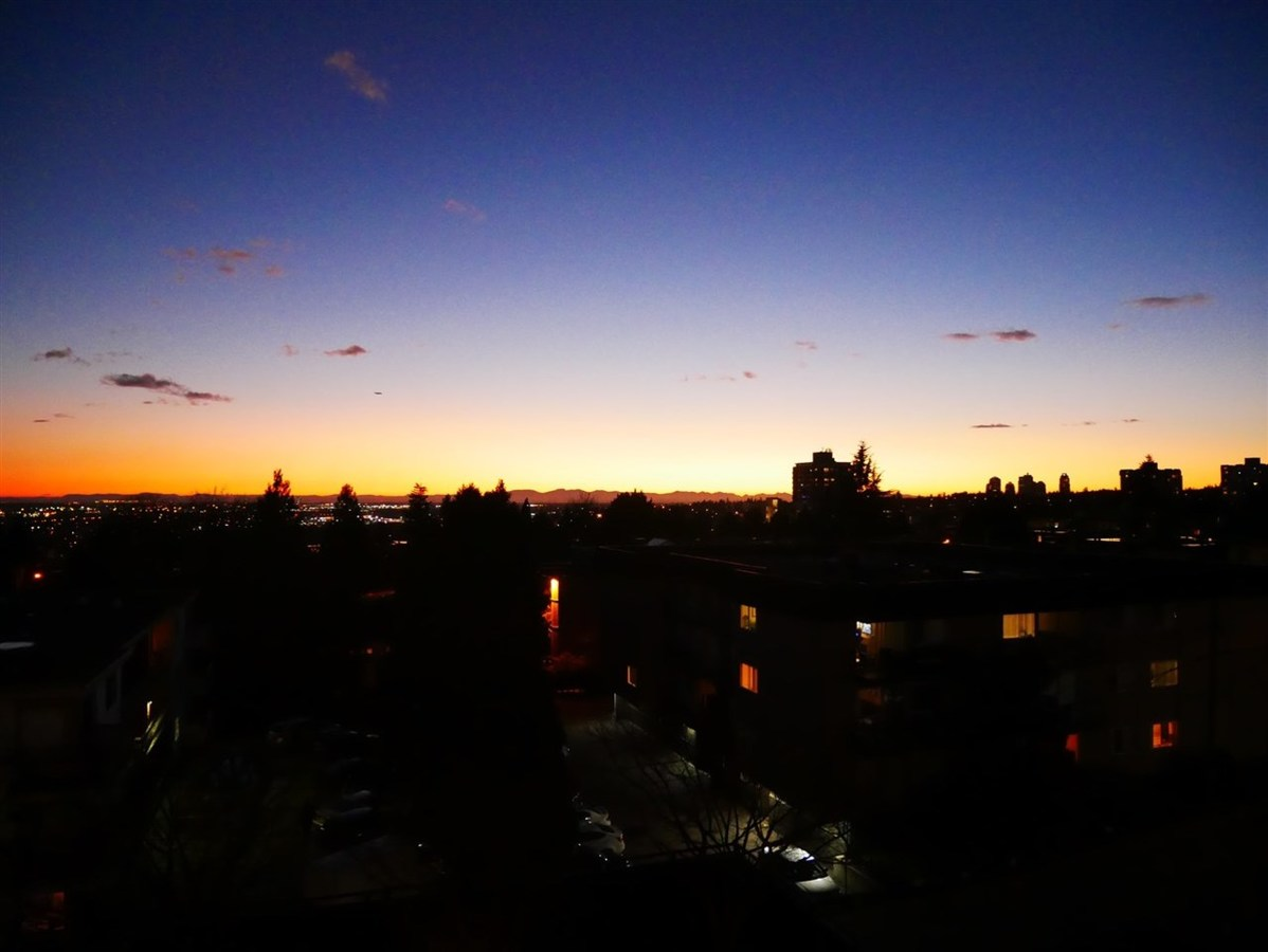 Enjoy Evening Sunsets at 501 - 306 Sixth Street, Uptown NW, New Westminster