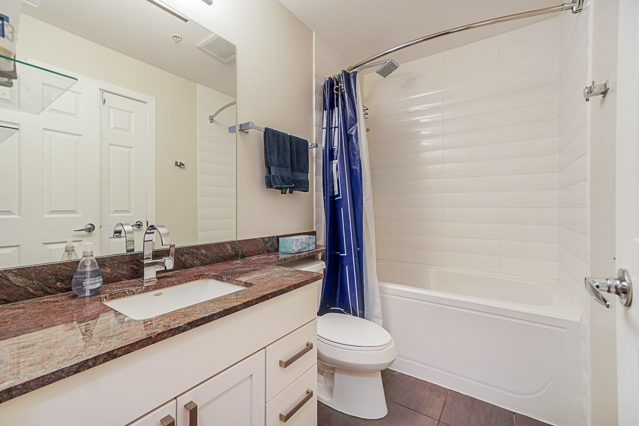 Large bathroom with granite counters at 501 - 306 Sixth Street, Uptown NW, New Westminster