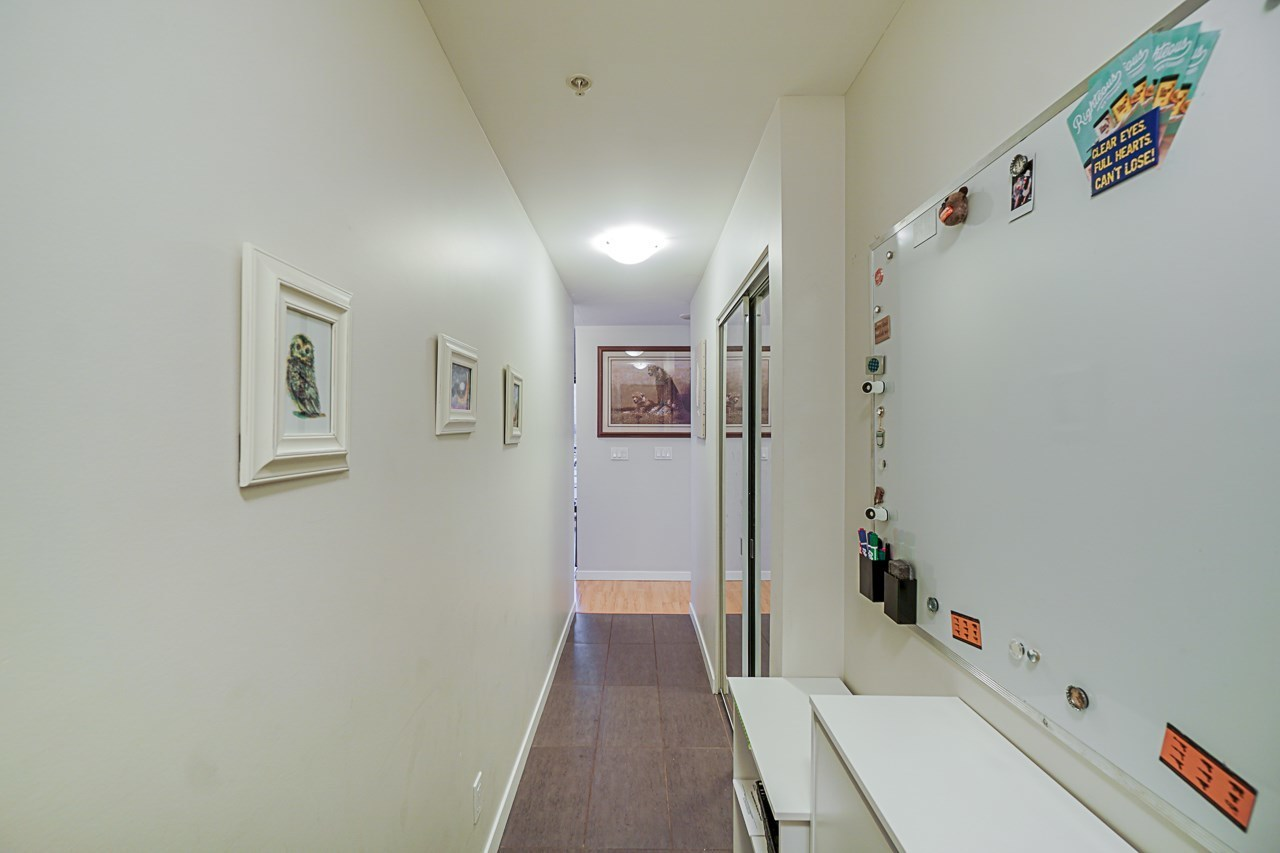 Entry hallway with closet at 501 - 306 Sixth Street, Uptown NW, New Westminster