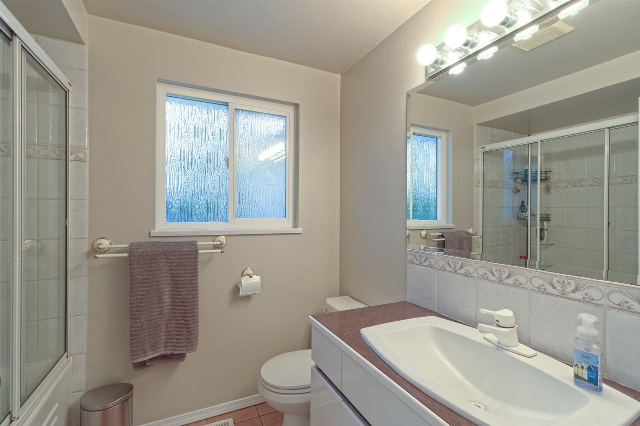 bathroom at 2707 Carnation Street, Blueridge NV, North Vancouver