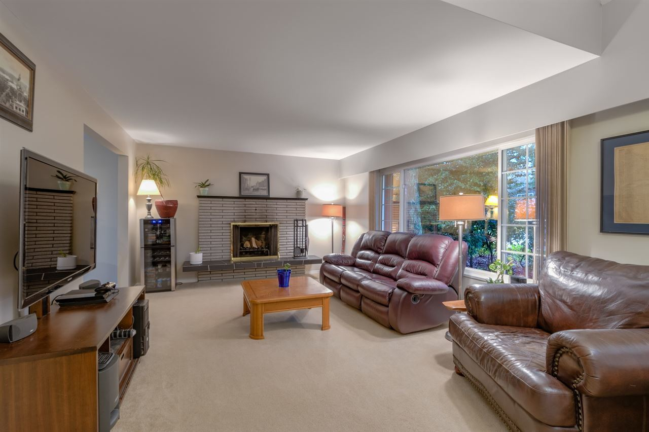 living-room at 2707 Carnation Street, Blueridge NV, North Vancouver
