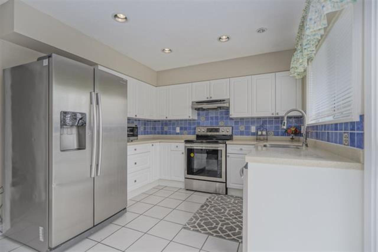 kitchen at 1373 Wellington Drive, Lynn Valley, North Vancouver