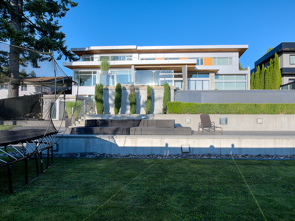 18-backyard-straight at 389 N Glynde Avenue, Capitol Hill BN, Burnaby North