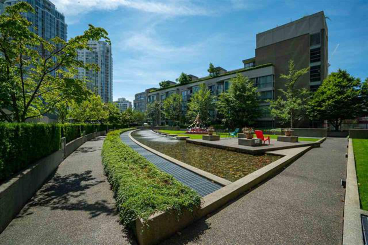 17-courtyard at 3201 - 1008 Cambie Street, Yaletown, Vancouver West