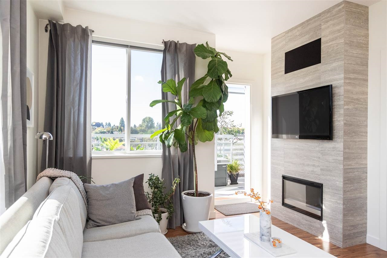 Privacy at 306 - 683 E. 27th Avenue, Fraser VE, Vancouver East