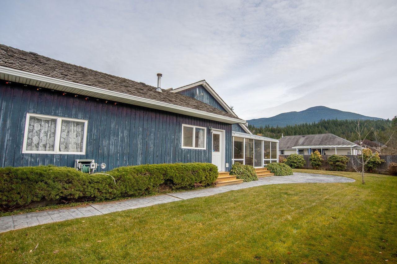 20210318_royallepage_1000sunriseplace-10 at 1000 Sunrise Place, Tantalus, Squamish