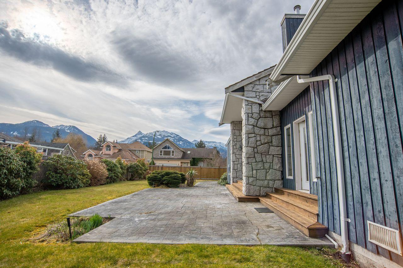 20210318_royallepage_1000sunriseplace-16 at 1000 Sunrise Place, Tantalus, Squamish