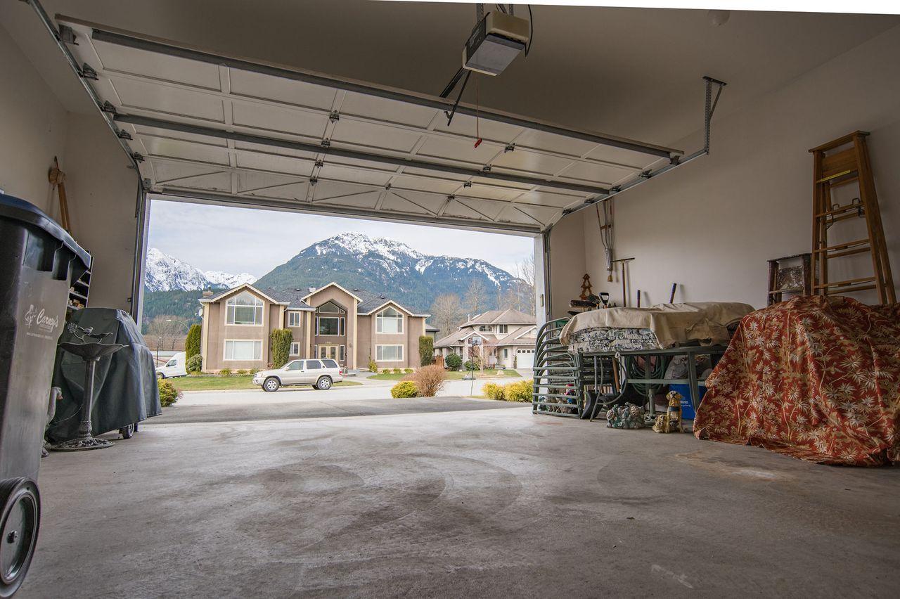 20210318_royallepage_1000sunriseplace-52 at 1000 Sunrise Place, Tantalus, Squamish