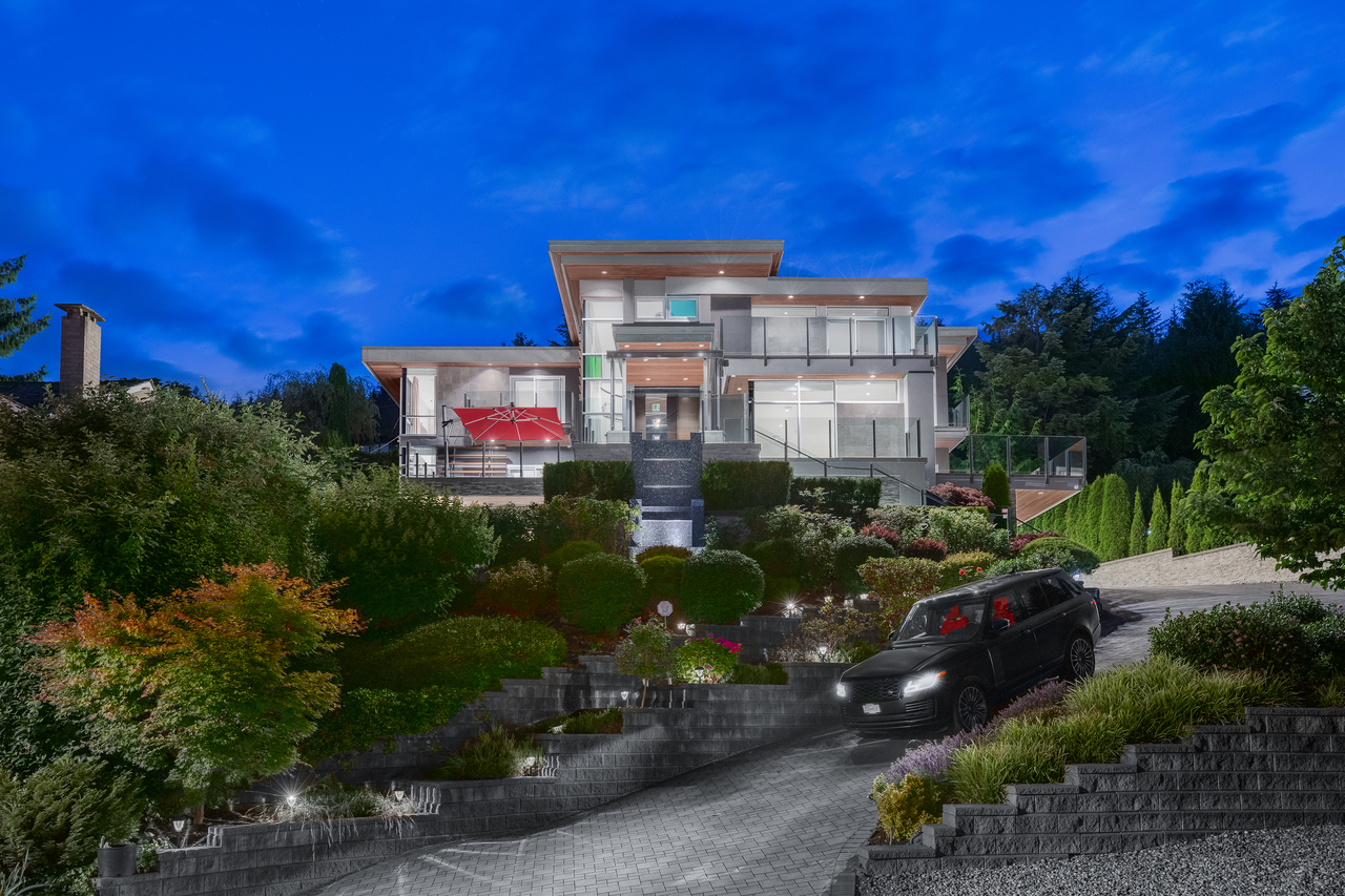 full-1-2 at 561 St. Andrews Road, Glenmore, West Vancouver