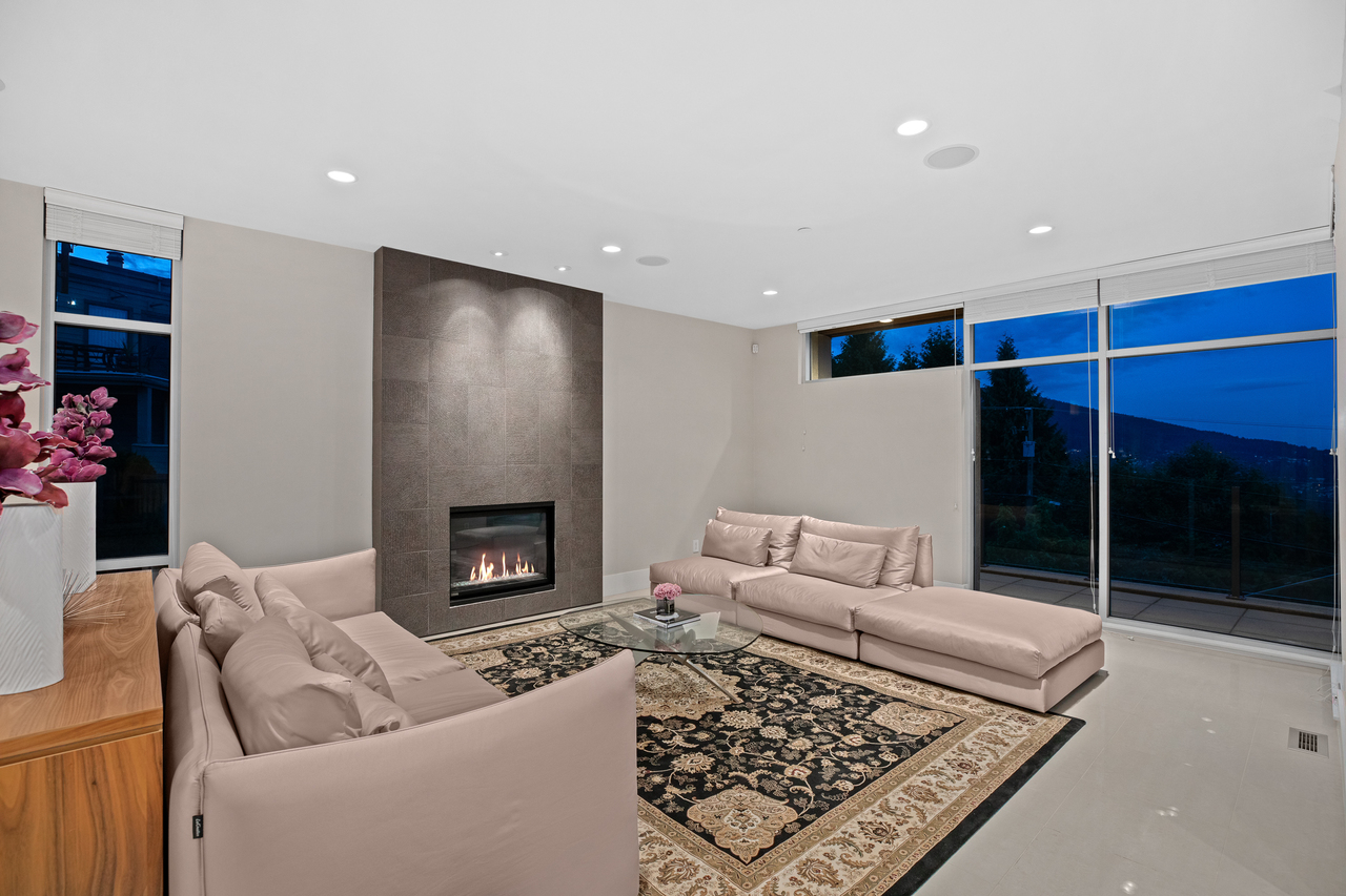 full-12-1 at 561 St. Andrews Road, Glenmore, West Vancouver