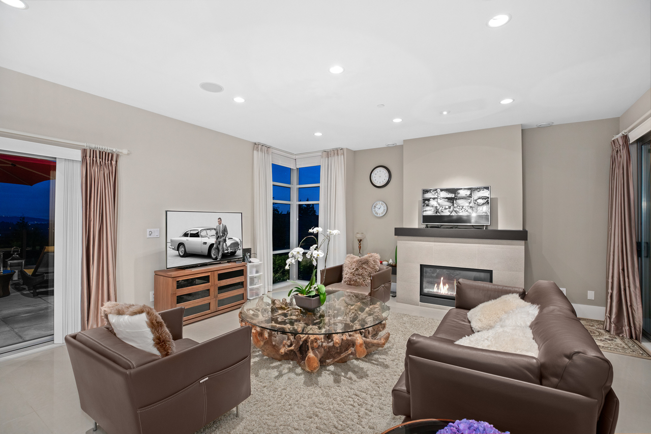 full-5-1 at 561 St. Andrews Road, Glenmore, West Vancouver