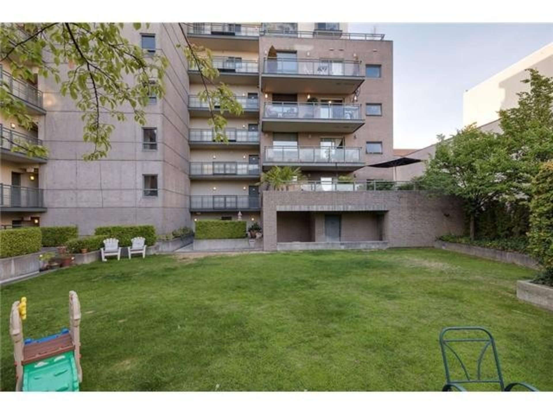 v1090386-501-1888-york-13 at 501 - 1888 York Avenue, Kitsilano, Vancouver West