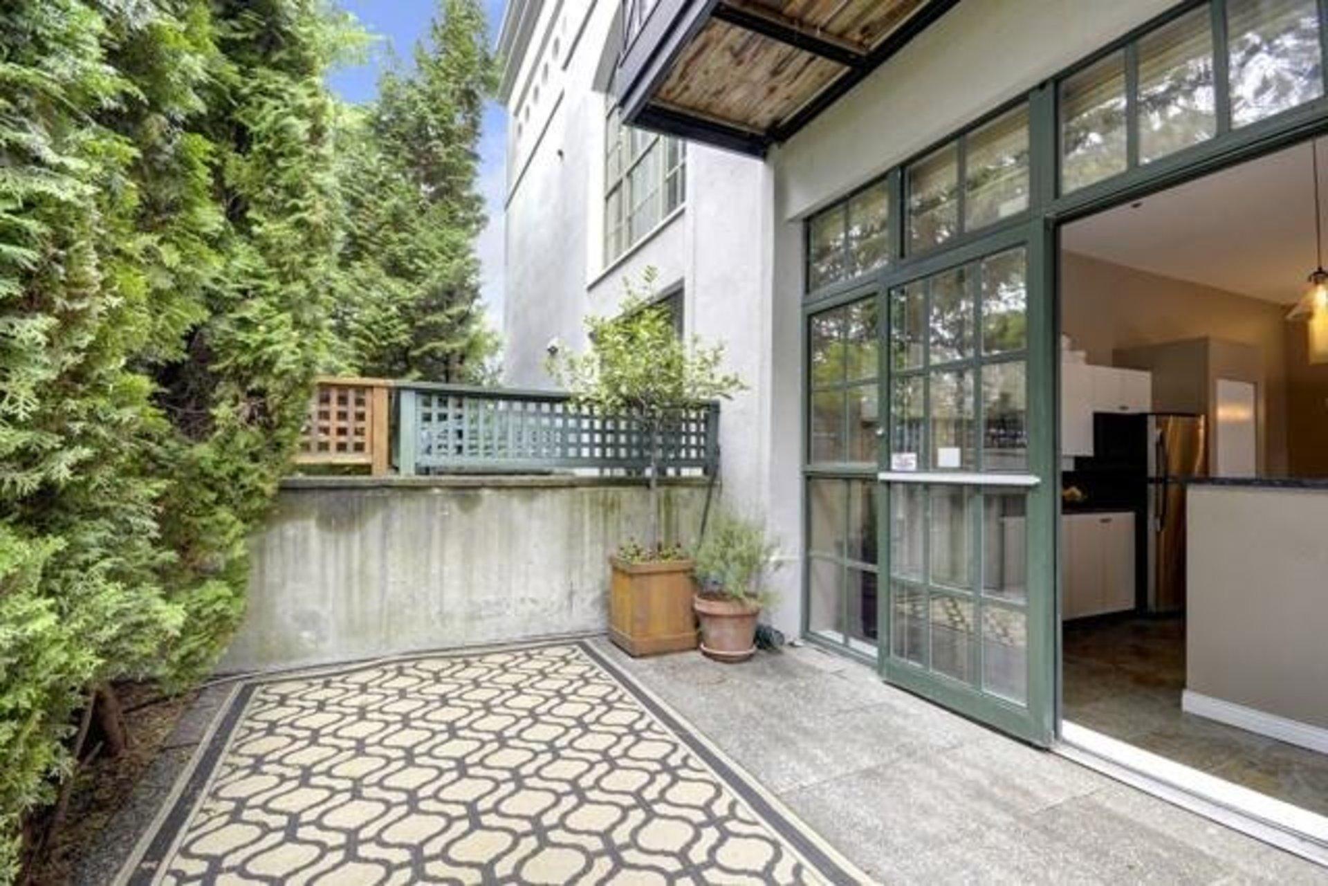 r20005288 at 104 - 4590 Earles Street, Collingwood VE, Vancouver East