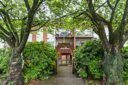 225-w-3rd-street-lower-lonsdale-north-vancouver-24 at 103 - 225 W 3rd Street, Lower Lonsdale, North Vancouver