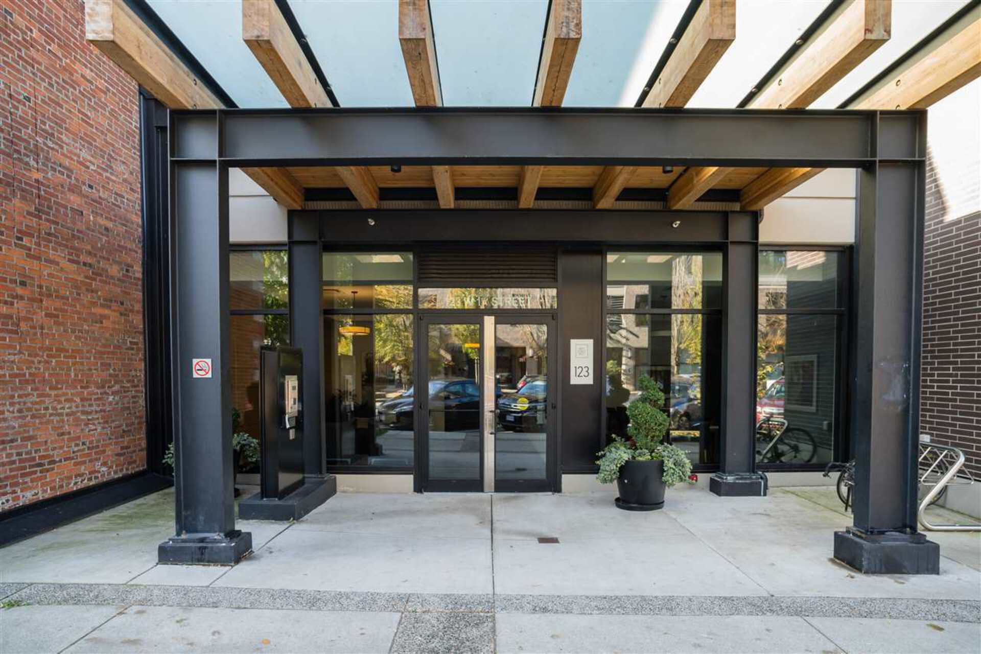 211 - 123 W 1st Street, Lower Lonsdale, North Vancouver 2