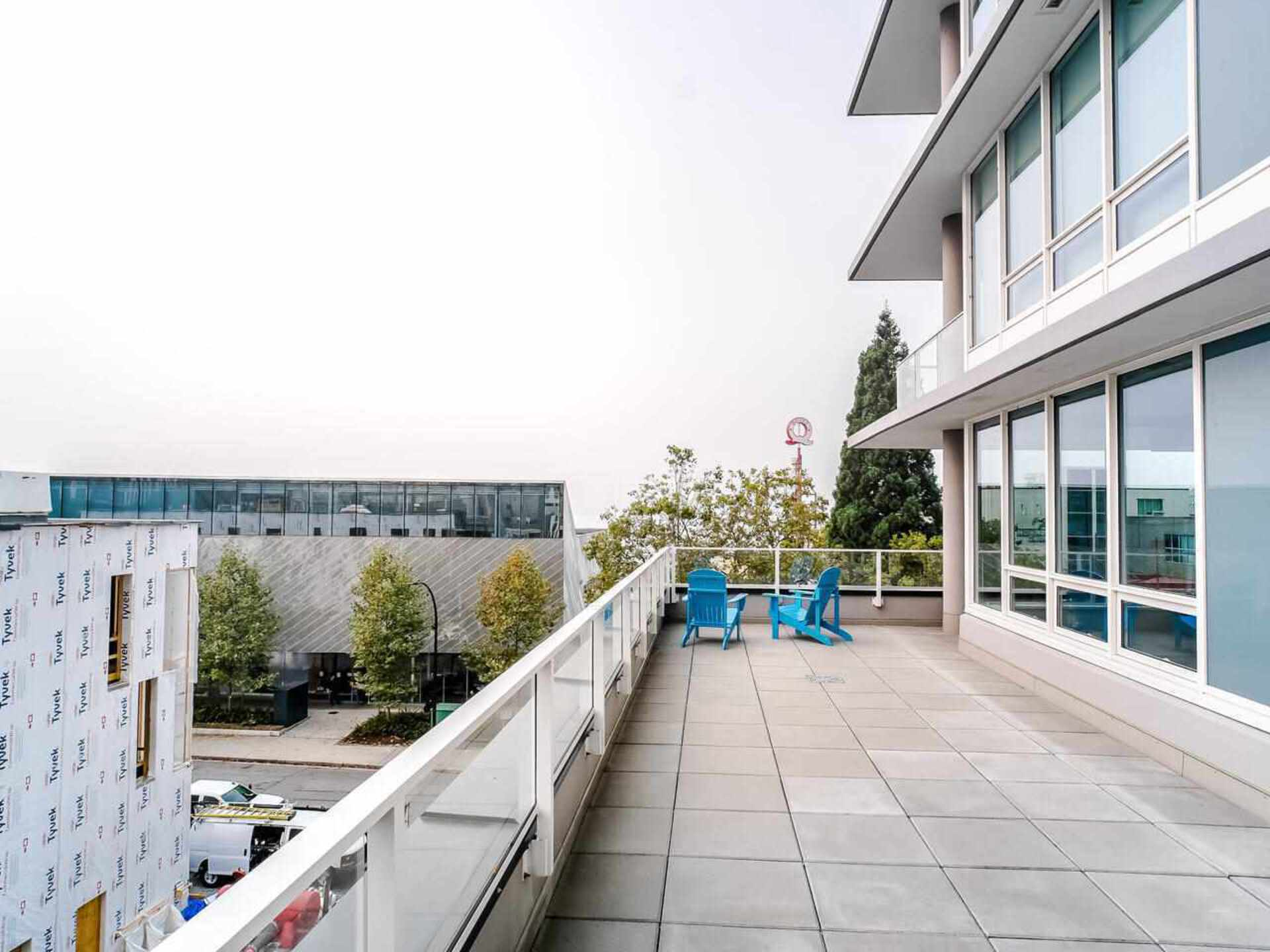301 - 118 Carrie Cates Court, Lower Lonsdale, North Vancouver 2