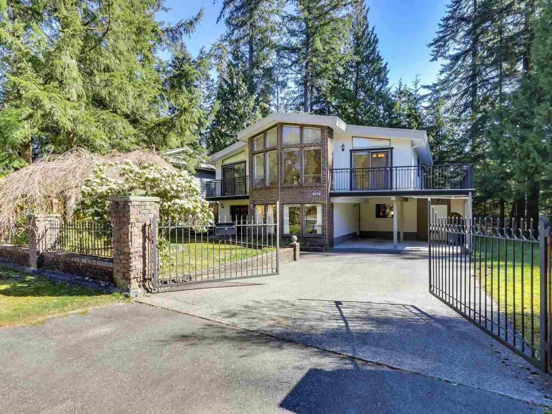 4772 Hoskins Road, Lynn Valley, North Vancouver