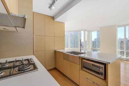 5-4 at 565 Smithe Street, Yaletown, Vancouver West