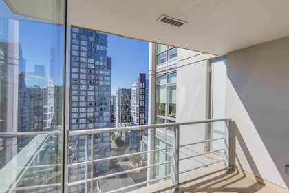 9-4 at 565 Smithe Street, Yaletown, Vancouver West