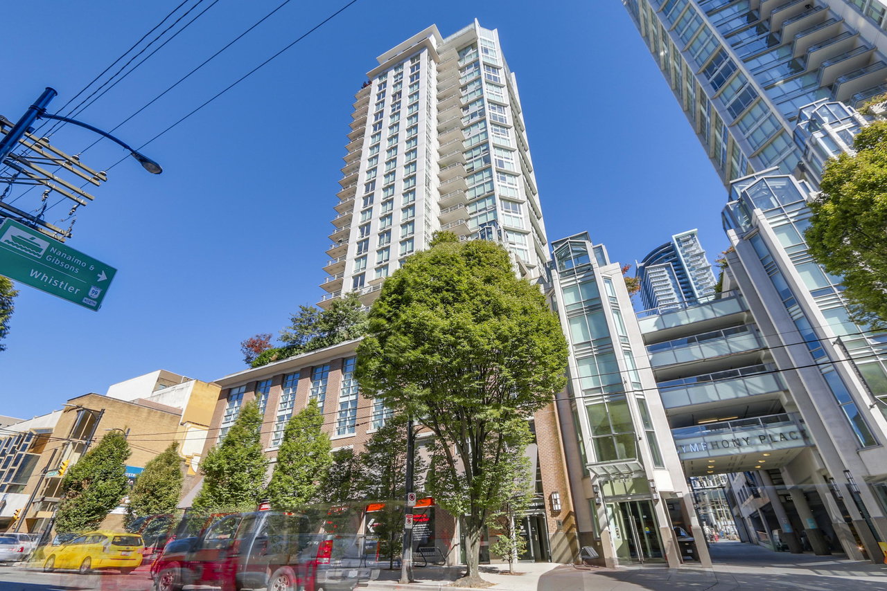 1-5 at 565 Smithe Street, Yaletown, Vancouver West