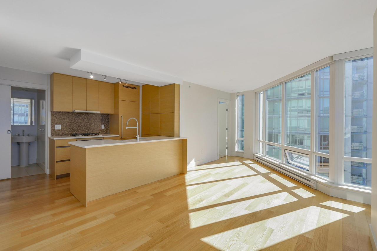 3-4 at 565 Smithe Street, Yaletown, Vancouver West