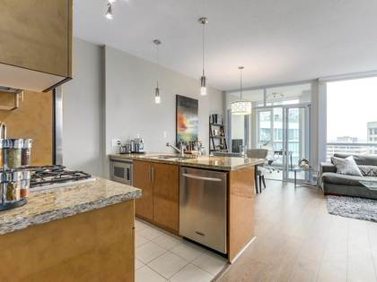 6-4 at 1189 Melville Street, Coal Harbour, Vancouver West