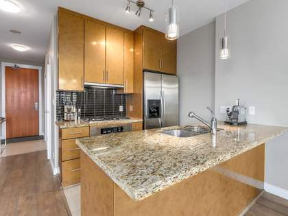 7-4 at 1189 Melville Street, Coal Harbour, Vancouver West