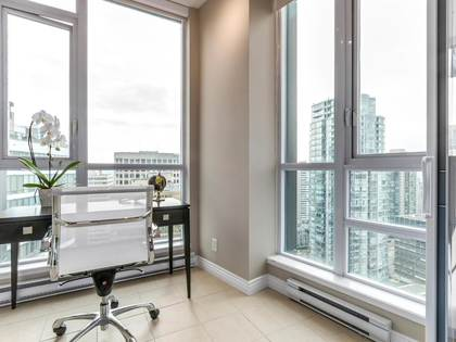 8-4 at 1189 Melville Street, Coal Harbour, Vancouver West