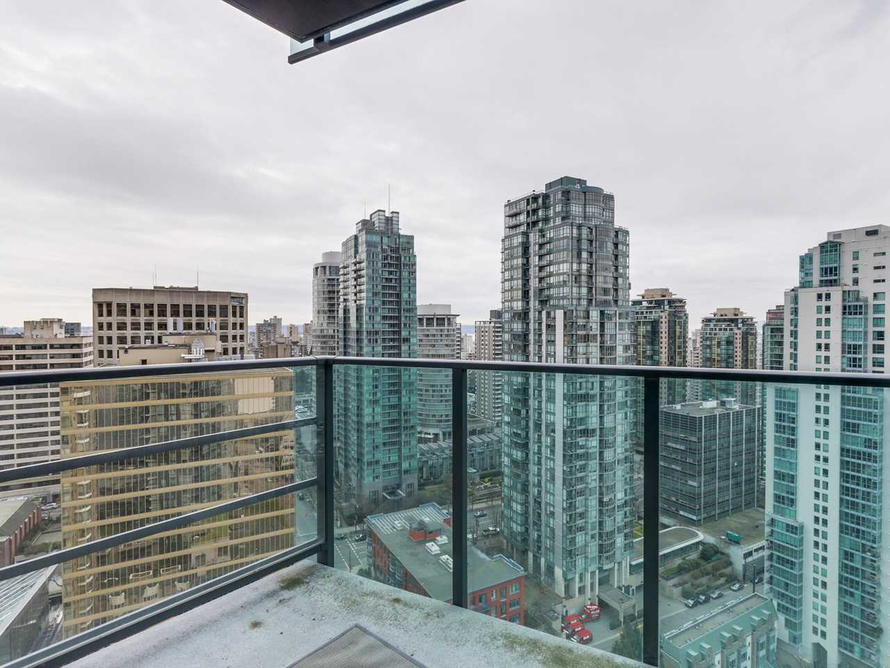 13-4 at 1189 Melville Street, Coal Harbour, Vancouver West