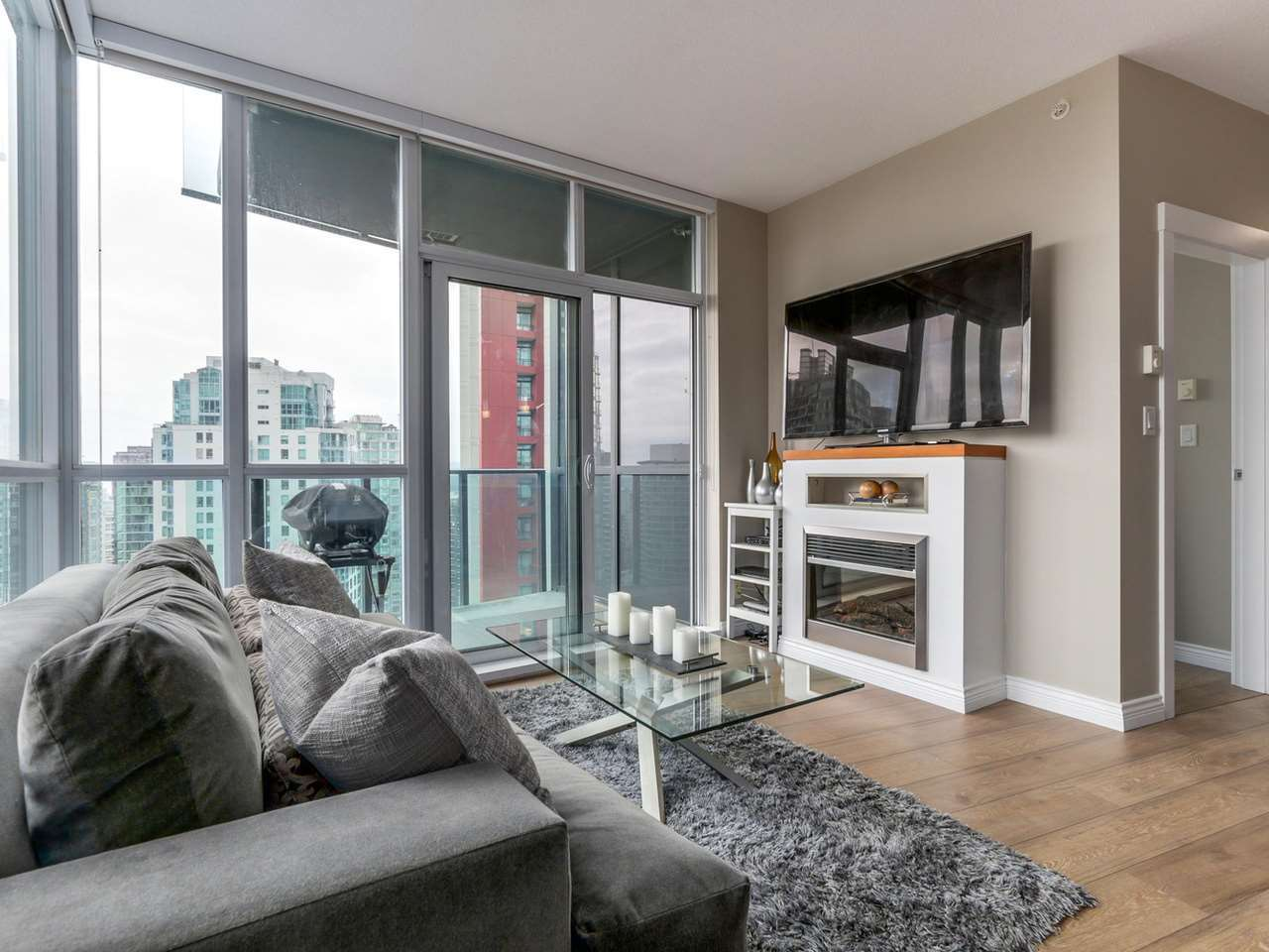 4-4 at 1189 Melville Street, Coal Harbour, Vancouver West