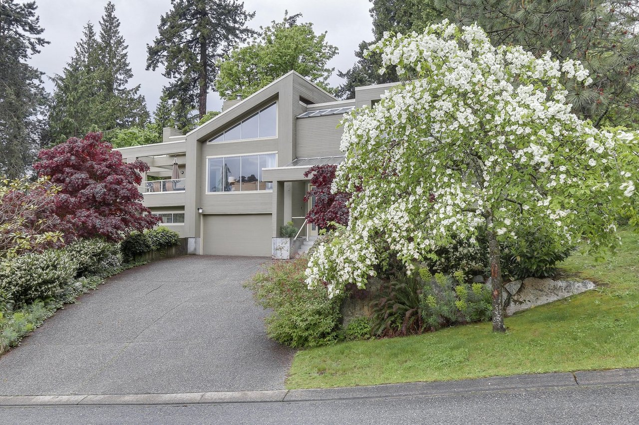 1-9 at  Kew Road, Caulfeild, West Vancouver