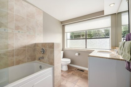 mini20 at  Palmerston Avenue, British Properties, West Vancouver