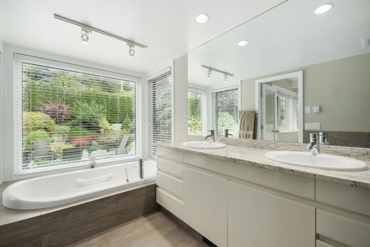mini16 at  Palmerston Avenue, British Properties, West Vancouver