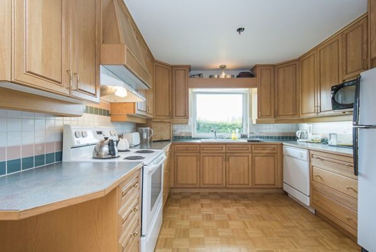 015_preview at 4449 Canterbury Crescent, Forest Hills NV, North Vancouver