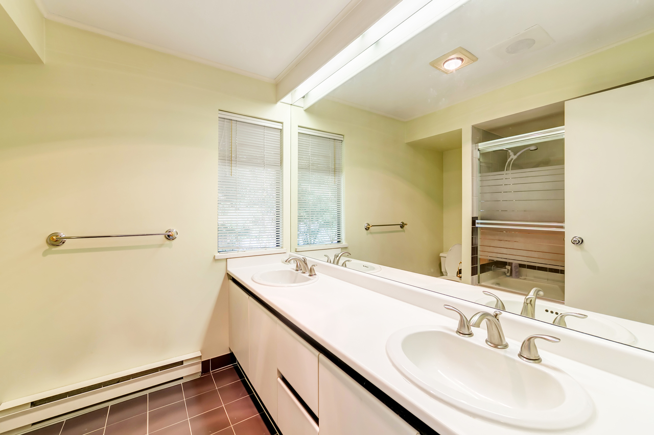 32 at  Eden Place, Sentinel Hill, West Vancouver