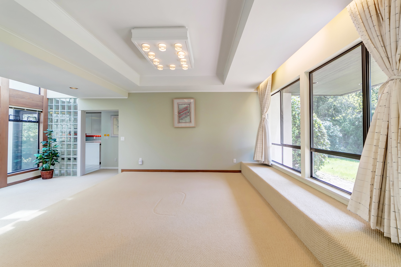 6 at  Eden Place, Sentinel Hill, West Vancouver