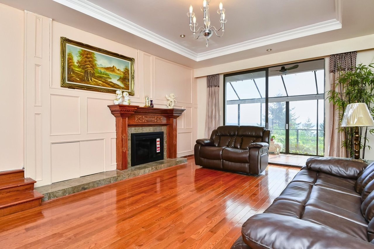 3 at 2206 Folkestone Way, Panorama Village, West Vancouver