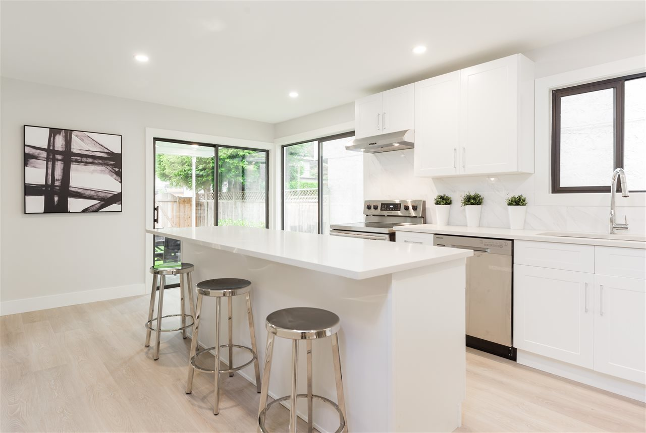 2515-burian-drive-coquitlam-east-coquitlam-03 at