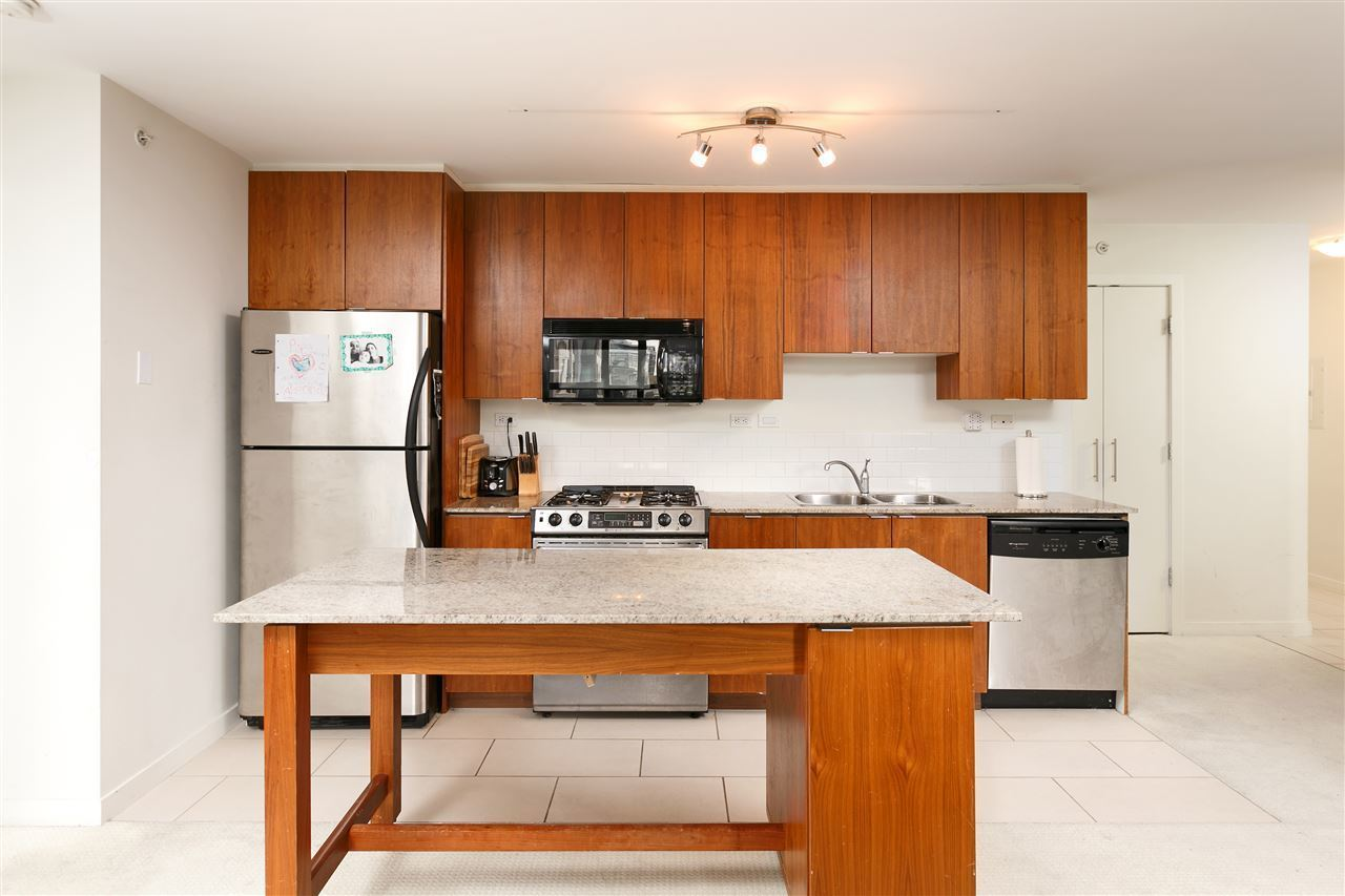 989-beatty-street-yaletown-vancouver-west-03 at